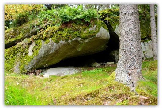 Steinhöhlen