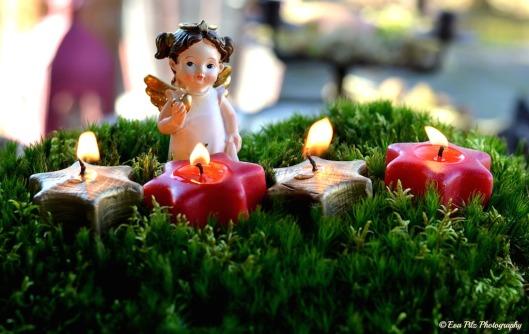 4 Kerzen brennen