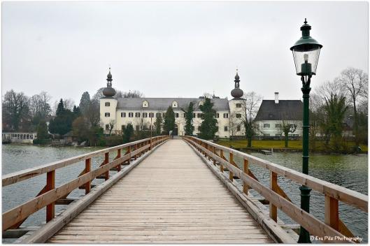 Landschloss Orth1
