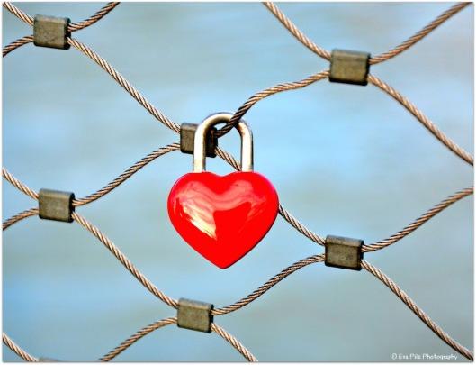 Liebesschloss rotes Herz