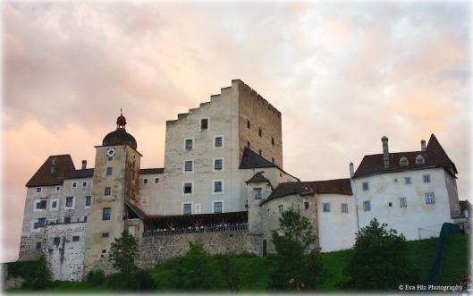 Burg Clam.jpg